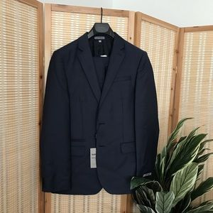 BNWT Mens Express Suit, navy, Fitted Photographer